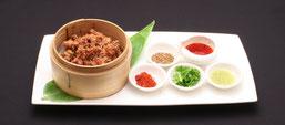 豚耳の伝統大蒜ソースかけ 1,400円