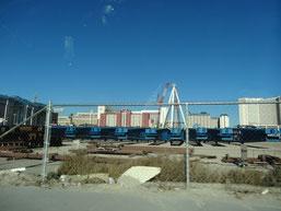 Blick zurück auf die Großbaustelle an der Ausfahrt des Quad Hotel
