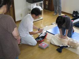 胸部圧迫は意外と力を使います