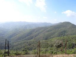 Les montagnes à franchir pour atteindre la frontière