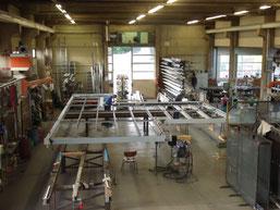 Fertigung einer großflächigen Überdachungskonstruktion aus Aluminium und Glas