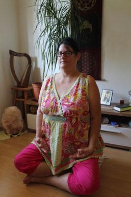 Karin Bill ist Gesundheitspraktikerin im Saarland, leiber frei Anbieter freie Beratung und Coaching
