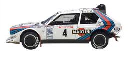 vettura da rally lancia delta s4 grafica completa di pubblimais a torino