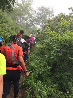 八重山への登り ちょっと渋滞