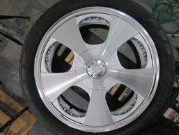 ベンツG500 の アルミホイール(ロデオドライブ)のガリ傷・擦りキズ・欠けのリペア(修理・修復)前のホイールBの写真2