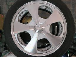 ベンツG500 の アルミホイール(ロデオドライブ)のガリ傷・擦りキズ・欠けのリペア(修理・修復)後のホイールDの写真2