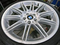 BMW335i純正19インチアルミホイールAの、ガリキズ・擦り傷のリペア(修理・修復)前の写真