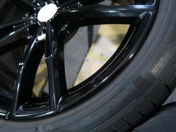 BMW・M4クーペの純正アルミホイール19インチのガリ傷・擦りキズのリペア(修理・修復)後のホイール写真3