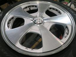 ベンツG500 の アルミホイール(ロデオドライブ)のガリ傷・擦りキズ・欠けのリペア(修理・修復)前のホイールAの写真1