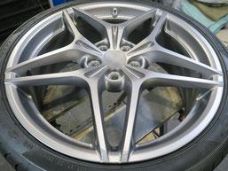 フェラーリ・カリフォルニアTの純正アルミホイールのガリ傷・擦りキズのリペア(修理・修復)前のホイールBの写真1