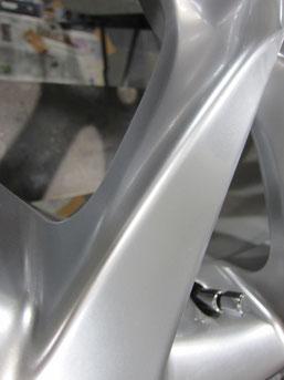 レクサスLS600h純正18インチハイパーシルバーアルミホイールの傷リペア(修理・修復)後の傷アップ写真③