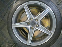 メルセデス・ベンツの純正アルミホイールのガリ傷・すりキズ、再ダイヤモンドカット加工して修理・修復した後の写真2