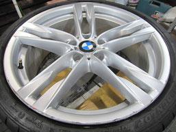 BMW640iクーペ・カブリオレの20インチ純正アルミホイールの、ガリキズ・擦り傷・欠けのリペア(修理・修復・再生)前のホイールアップ写真③