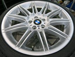 BMW335i純正19インチアルミホイールBの、ガリキズ・擦り傷のリペア(修理・修復)後の写真