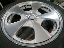 ベンツG500 の アルミホイール(ロデオドライブ)のガリ傷・擦りキズ・欠けのリペア(修理・修復)後のホイールAの写真1
