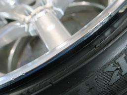レクサスLSのアルミホイールのガリキズ・すり傷のリペア(修理・修復)のホイールBの写真5