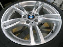 BMW320iツーリング・Mスポーツの純正アルミホイールの、ガリ傷・擦りキズのリペア(修理・修復)後のホイール全景写真1