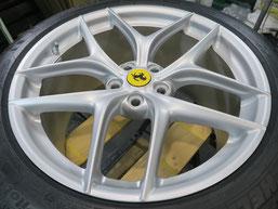フェラーリ・F12ベルリネッタの純正鍛造アルミホイールのガリ傷・擦りキズ のリペア(修理・修復)後のホイール全景写真