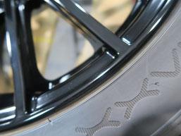 スバル、WRX・S4の純正アルミホイールのガリキズ・擦り傷のリペア(修理・修復)後の傷があった箇所のアップ写真
