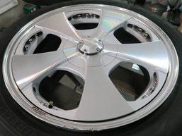 ベンツG500 の アルミホイール(ロデオドライブ)のガリ傷・擦りキズ・欠けのリペア(修理・修復)前のホイールBの写真1