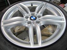 BMW523iワゴン純正アルミホイール(ハイパーシルバー19インチオプションホイール)、ガリ傷・擦りキズのリペア(修理・修復)後の写真