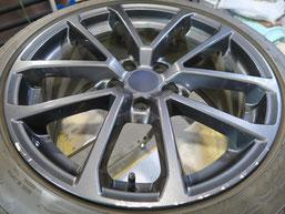 スバル WRX.S4の純正アルミホイールのガリ傷・擦りキズのリペア(修理・修復)前のホイール写真1