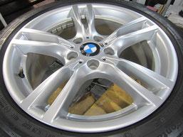 BMW320iのハイパーシルバー塗装仕上げの18インチ純正アルミホイールのガリキズ・すり傷のリペア(修理・修復)後のホイール全景写真
