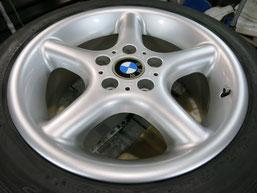 BMW Z3の純正アルミホイール4本のガリキズ・擦り傷・欠けのリペア(修理・修復・再生)後のホイール①の写真