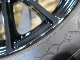 スバル、WRX・S4の純正アルミホイールのガリキズ・擦り傷のリペア(修理・修復)前の傷アップ写真