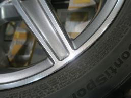 メルセデス・ベンツC200AMGの純正アルミホイールのガリ傷・擦りキズ のリペア(修理修復)後のホイールAの修理箇所アップ写真