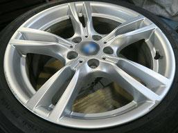 BMW320d 純正アルミホイールの、ガリ傷・擦りキズのリペア(修理・修復)前のホイール写真1
