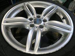 BMW523dの18インチ純正シルバー塗装ホイール2本のガリ傷・すりキズ傷のリペア(修理・修復)前のホイールAの写真1
