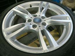 BMW 320d Mスポーツ の純正アルミホイールの、ガリ傷・擦りキズのリペア(修理・修復)前のホイール写真1