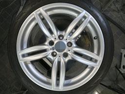 BMW523dの18インチ純正シルバー塗装ホイール2本のガリ傷・すりキズ傷のリペア(修理・修復)後のホイールAの写真2