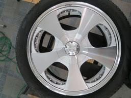 ベンツG500 の アルミホイール(ロデオドライブ)のガリ傷・擦りキズ・欠けのリペア(修理・修復)前のホイールCの写真2