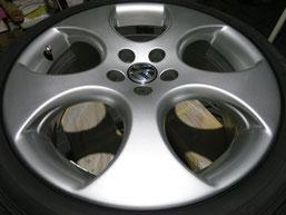 フォルクスワーゲン・ポロGTIの純正アルミホイールのガリ傷・すりキズ・欠けのリペア(修理・修復)後の車両全景写真5