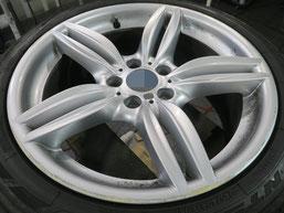 BMW523dの18インチ純正シルバー塗装ホイール2本のガリ傷・すりキズ傷のリペア(修理・修復)前のホイールBの写真1