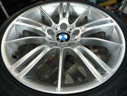 BMW M3クーペ 純正アルミホイール の ガリキズ・擦り傷のリペア(修理・修復・再生)後のホイール写真