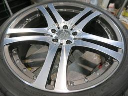 カールソン仕様 ベンツ の、ダイヤモンドカット・ポリッシュ仕上げ20インチアルミホイール(カールソン製)のガリキズ・すり傷のリペア(修理・修復)後の写真