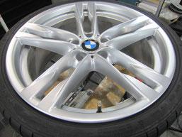 BMW640iクーペ・カブリオレの20インチ純正アルミホイールの、ガリキズ・擦り傷・欠けのリペア(修理・修復・再生)後のホイールアップ写真①