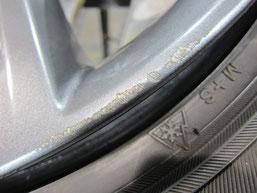 レクサスCT200h・Fスポーツの純正アルミホイールの ガリキズ・擦り傷のリペア(修理・修復・再生)前のホイールBのアップ写真その1