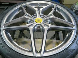 フェラーリ・カリフォルニアTの純正アルミホイールの、ガリキズ・すり傷 のリペア(修理・修復)後のホイール写真1