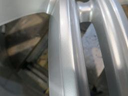 アウディA7の純正アルミホイールのガリ傷・擦りキズのリペア(修理・修復)後の傷アップ写真2