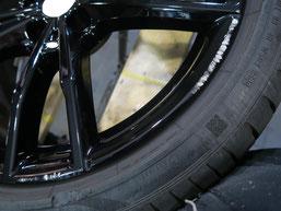 BMW・M4クーペの純正アルミホイール19インチのガリ傷・擦りキズのリペア(修理・修復)前のホイール写真3