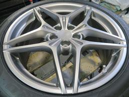 フェラーリ・カリフォルニアTの純正アルミホイールのガリ傷・擦りキズのリペア(修理・修復)後のホイールAの写真1