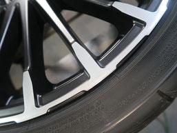 無限 シビック のアルミホイールの、ガリ傷・擦りキズのリペア(修理・修復)後の傷修理箇所アップ写真b