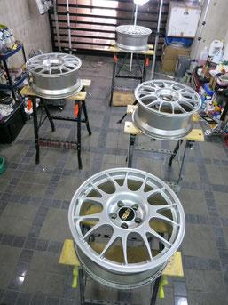 BBSアルミホイールのガリ傷・すりキズのリペア(修理・修復)および、カラーチェンジ(色替え)前のホイール4本の写真