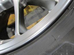 ランサー・エボリューションの純正BBSアルミホイールのガリキズ・擦り傷のリペア(修理・修復)後の傷アップ写真5