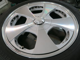 ベンツG500 の アルミホイール(ロデオドライブ)のガリ傷・擦りキズ・欠けのリペア(修理・修復)後のホイールBの写真1
