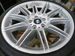 BMW335iカブリオレ純正アルミホイールのガリ傷・擦りキズのリペア(修理・修復)前のホイール写真